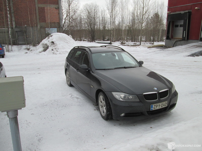 Huutokaupat.com - Ulosmitattu BMW 320i Farmari, Lappeenranta