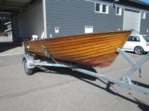 Nettihuutokauppa vene
